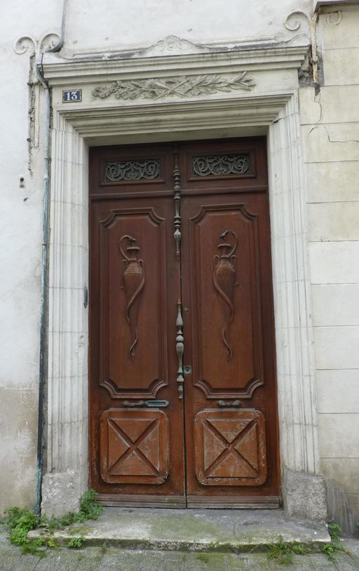 Porte en bois à La Rochelle
