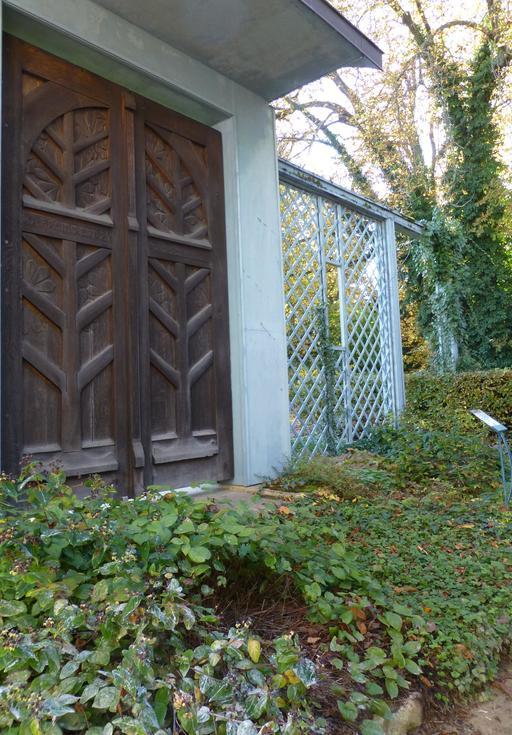 Porte en bois au musée de l'école de Nancy