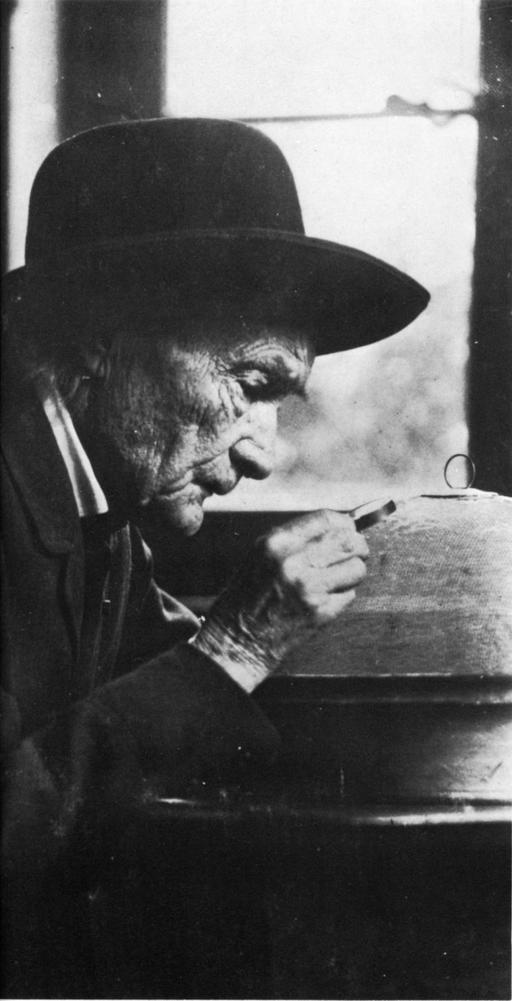 Portrait de Jean-Henri Fabre par Nadar