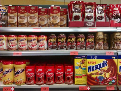 Produits à base de chocolat en poudre