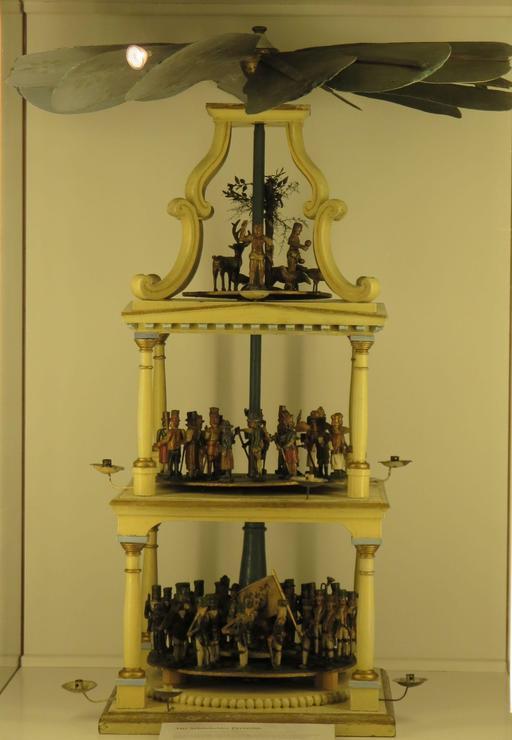Pyramide de Noël en bois de 1830