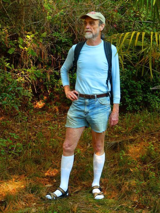 Randonneur en tenue d'été