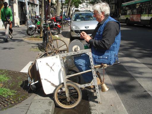 Rémouleur à Paris