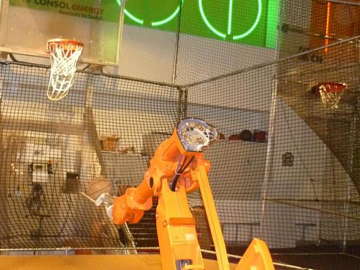 Robot et  basketball