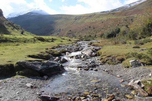 Ruisseau dans la vallée d'Aure