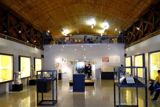 Salle archéologique au musée de Dijon