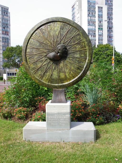 Sculpture en hommage à Laurent Fignon à Créteil