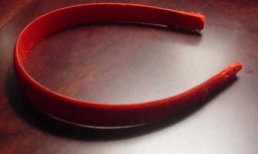 Serre-tête rouge