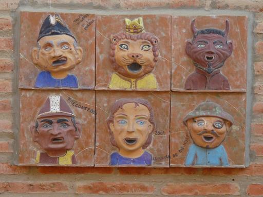 Six grosses têtes