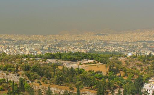 Smog au-dessus de la basse-ville d'Athènes