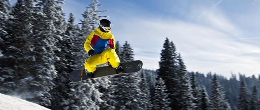Snowboarder en Autriche