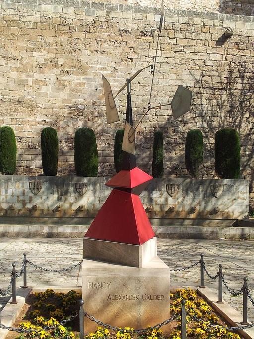 Stabile de Calder à Palma 02