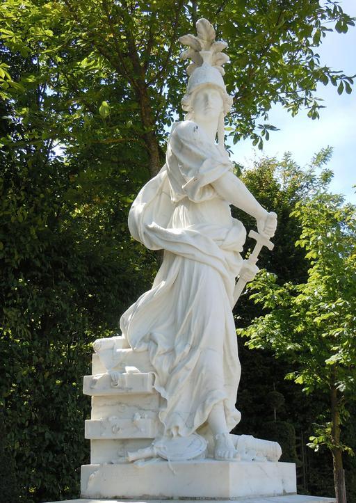 Statue d'Achille à Skyros dans le parc de Versailles