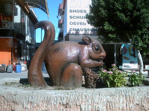 Statue d'écureuil en Turquie