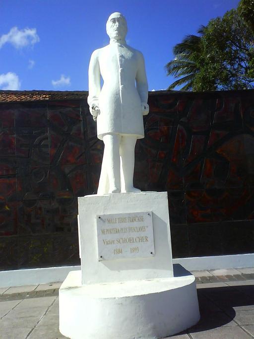 Statue de l'abolitionniste Schoelcher à La Martinique