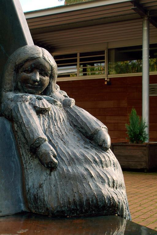 Statue de la marionnette Gretel du théâtre de Kasperle