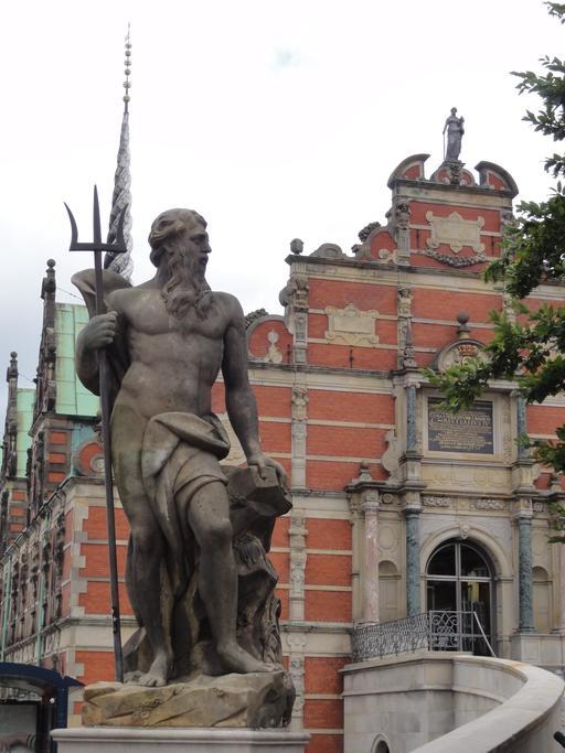 Statue de Poséidon devant la Bourse de Copenhague