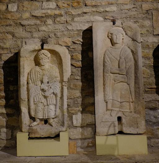 Stèles funéraires au musée de Dijon