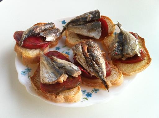 Tapas de sardines à la tomate