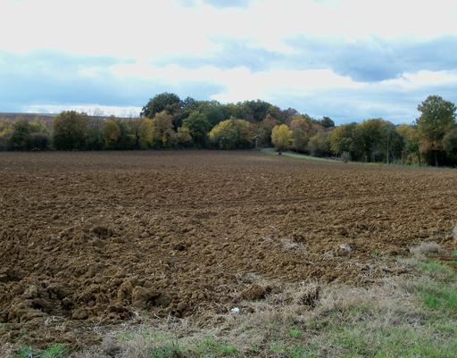 Terres labourées en Lot-et-Garonne
