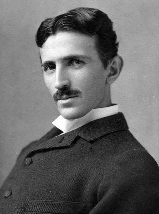 Portrait de Nikola Tesla à trente-quatre ans