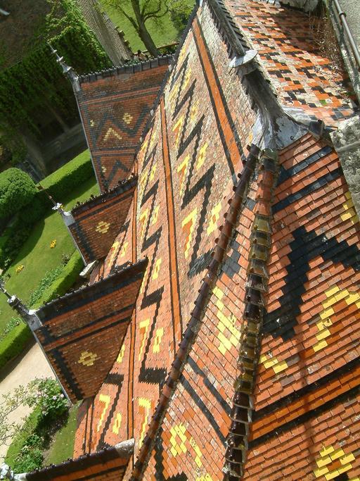 Toiture en tuiles vernissées du Chateau La Rochepot