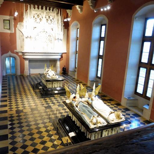 Tombeaux des ducs de Bourgogne au musée des beaux-arts de Dijon