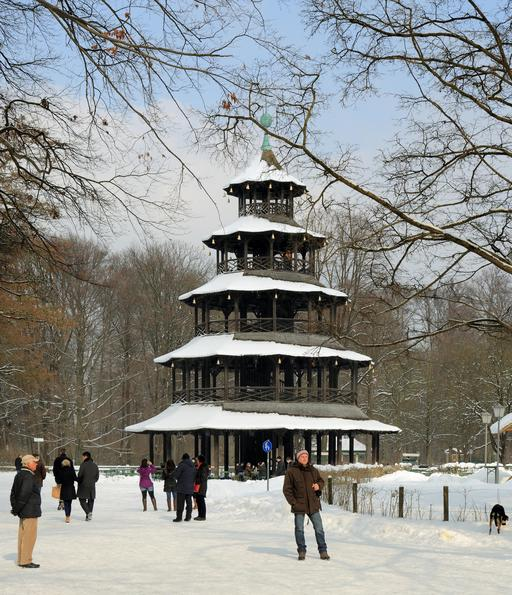 Tour chinoise de Munich sous la neige