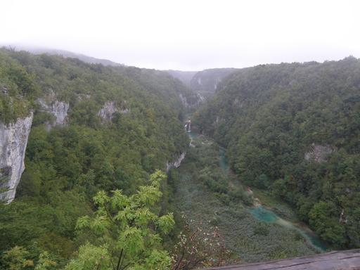 Vallée dans le parc national de Plitvice en Croatie