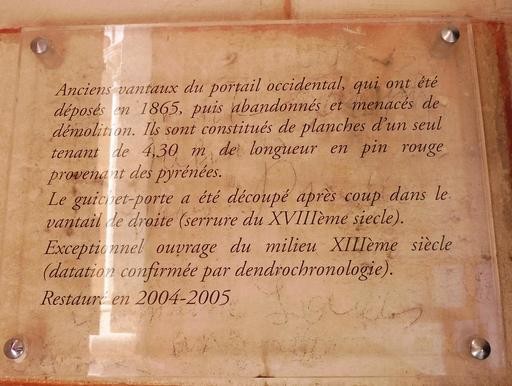 Vantail dans l'église de Saint-Macaire-33