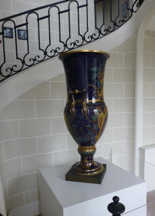 Vases de la Manufacture de porcelaine de Sèvres