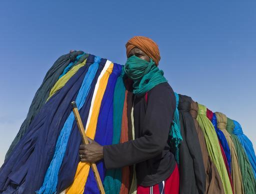 Vendeur de turbans au Mali