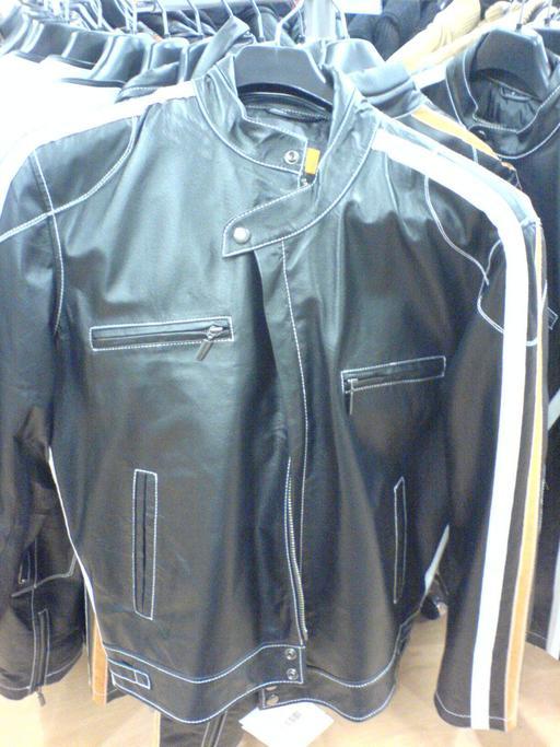 Veste en cuir à quatre poches