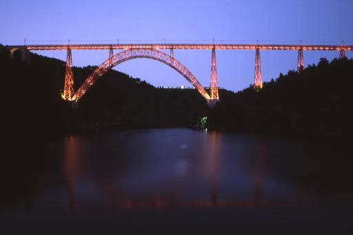 Viaduc de Garabit vu de nuit