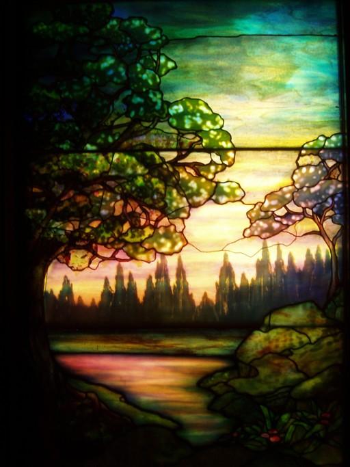 Vitrail de paysage en soirée de Tiffany en 1910