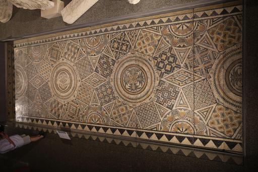 Vue d'ensemble de la grande mosaïque de Burdigala